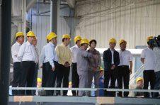 白银市市委书记苏君率团观摩景泰金龙化工建材有限公司